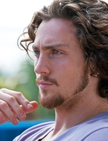 aaron-taylor-johnson-keeps-mum-about-his-film-roles_GB